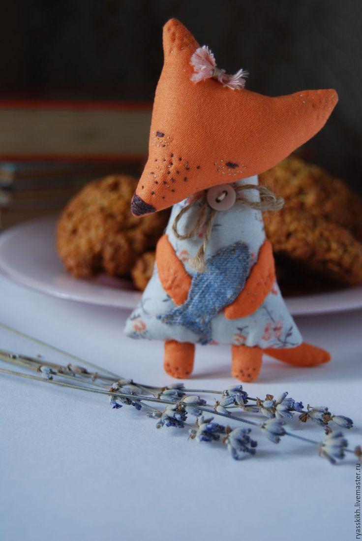 Купить Лисичка с рыбкой))) - разноцветный, рыжий, рыжий цвет, лиса, лисичка, лис, лисенок