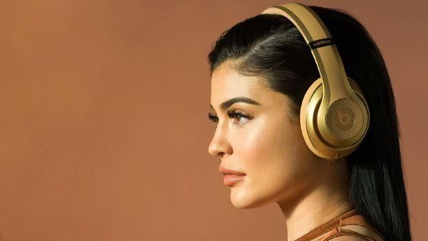 Kylie Jenner Stars In New Beats by Dr. Dre X Balmain Campaign — See The Stunning Pics https://tmbw.news/kylie-jenner-stars-in-new-beats-by-dr-dre-x-balmain-campaign-see-the-stunning-pics  This is the most exciting news ever! Beats by Dr. Dre & Balmain just launched a new headphone collection together & Kylie Jenner is the star of the campaign! You have to see these amazing photos!Kylie Jenner , 19, was just revealed as the star of the new Beats by Dr. Dre and Balmain campaign and it's…