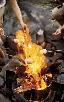 Gosta de aventuras? E que tal acampar? Para que o seu camping com os amigos seja perfeito não deixe de conferir nossas dicas e sugestões do que levar e fazer no acampamento com os amigos :)