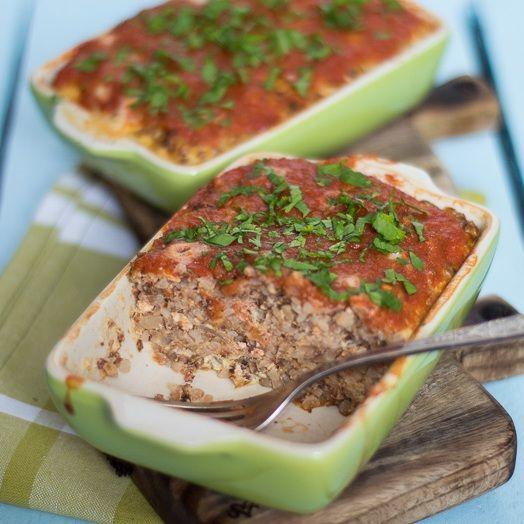 Zapiekanka z kaszy gryczanej z kurczakiem i pomidorami w puszce, cebulą, 1…