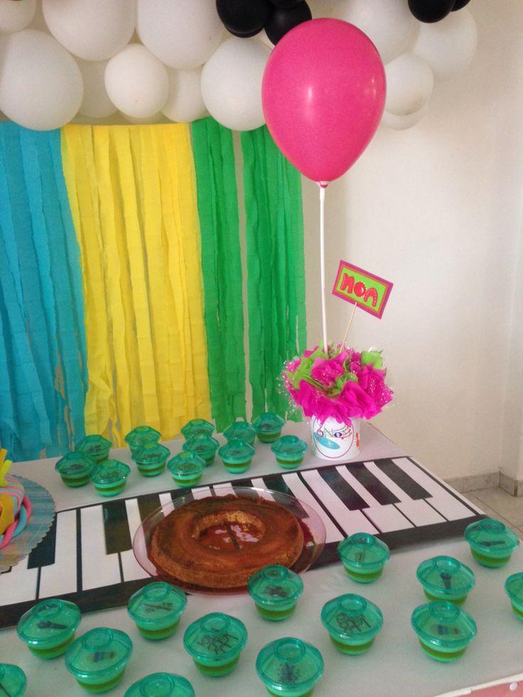 Mesa de torta fiesta infantil decoraci n musical fiesta - Decoracion fiesta infantil ...