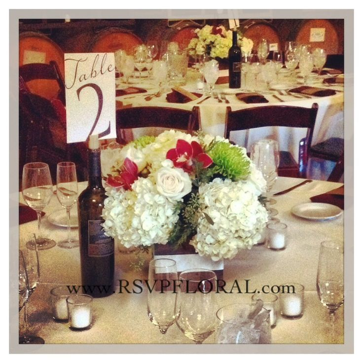 Winery wedding centerpieces...simple, classic, and rustic. #rusticcenterpiece #winerywedding