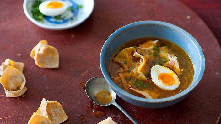 Filipino wonton soup recipe : SBS Food. Listen to the audio recipe.