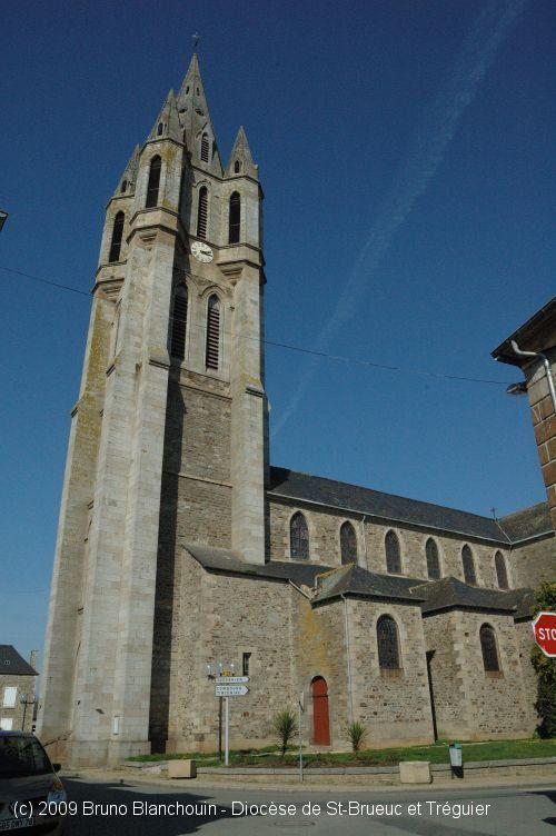 Église St-Pierre, à Évran.