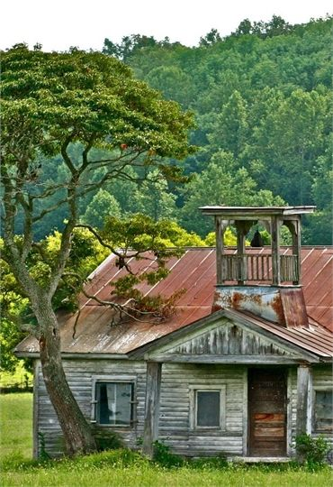 70 Abandoned Old Buildings.. left alone to die, Oldest Known School House In The Great Smokey Mountains