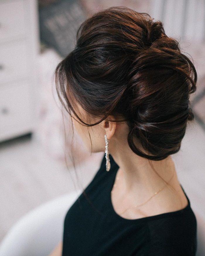 Messy wedding hair updos   itakeyou.co.uk #weddinghair #weddingupdo #weddinghairstyle #weddinginspiration #bridalupdo