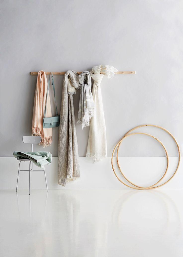warm grey walls, styling Anna-Kaisa Melvas, photo Anna Huovinen / Glorian Koti