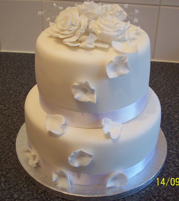 Small Beautiful Weddings: 1000+ Images About Small Wedding Cakes On Pinterest
