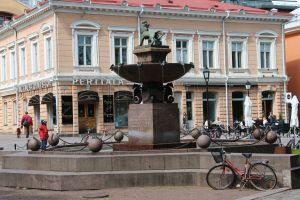 Fountain by Vähätori, Turku - Leijonasuihkulähde.