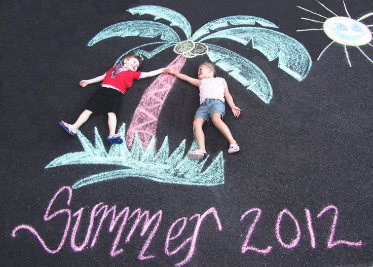 Cool way to document Summer time using sidewalk chalk!