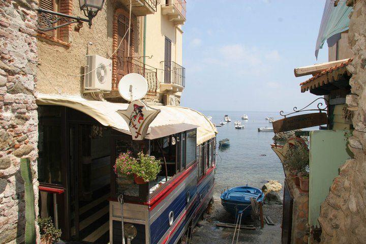 Pirata Restaurant in chianalea, Scilla www.ubais.it