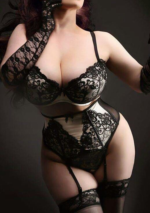 Curves are best. — bigtazz24: I would be in Heaven
