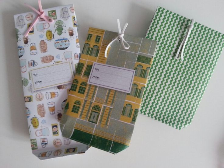 Giftwrapping - handmade paper bag - beautiful paper from Flow Book For Paper Lovers