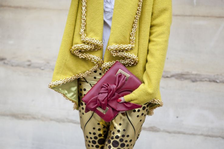 Street Style At Paris Fashion Week 2012 - March 7, 2012Street Fashion, Fashion Details, Pop Of Colors, Fresh Colors, Street Style, Paris Fashion Weeks, Paris Streets, Bright Colors