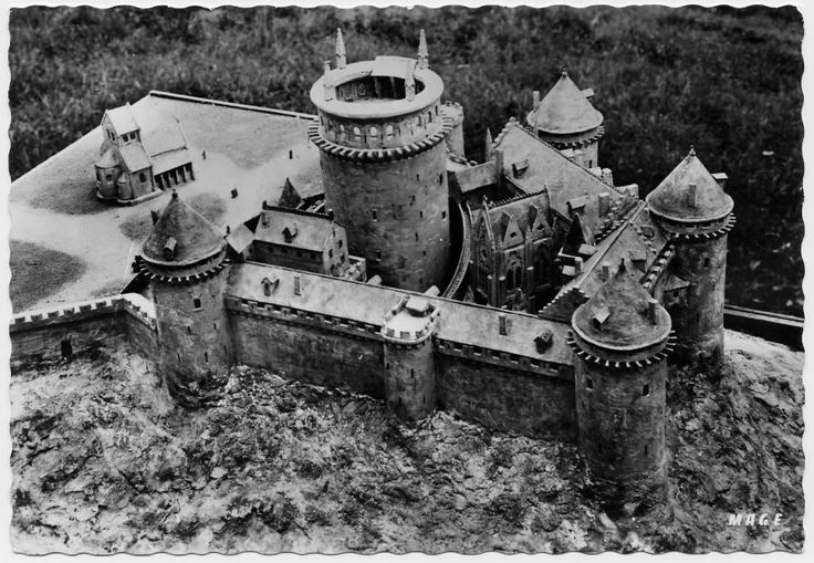 Coucy Model As In 14th Century Castle Designs Ancient
