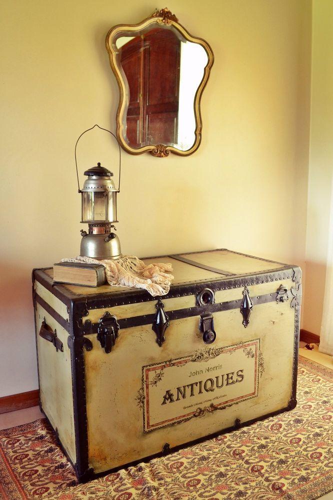 379 best Vintage suitcases & trunks images on Pinterest   Vintage ...