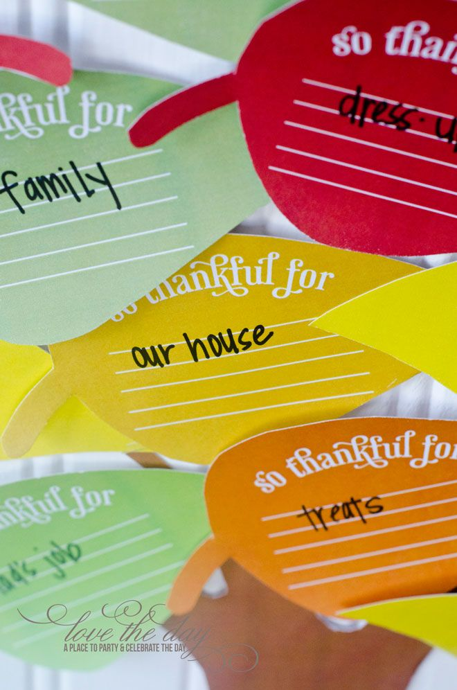 Giving tree - free printable would be a great bulletin board.