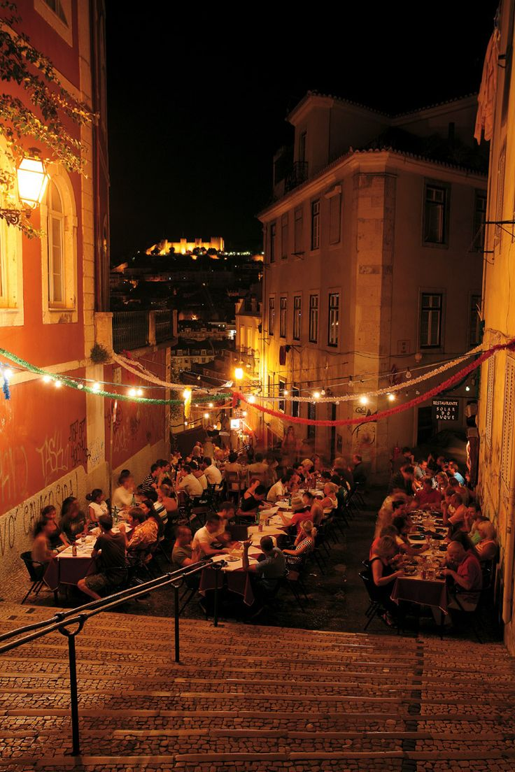 Las 'vistazas' del restaurante Solar do Duque. Barrio Alto . Lisboa