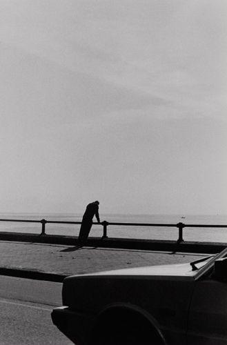 "Bernard Plossu    ""Naples, Italie, 1988""    Tirage argentique  24cm x 30cm:"