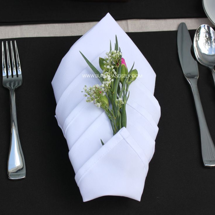 34% OFF 20 x 20 inches White Napkins 12-pack, now only $11.88 (normally $17.88) (http://www.burlapandsilk.com/20-inch-white-napkins-12-pack/)