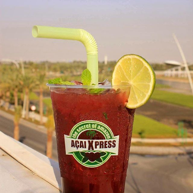 The whole point of the week is the weekend. Yey! It's Thursday! Be ready and refreshed with our very own Açaí Mojito. 🤗👍🏻 Do you have a beautiful shot of our products? Post it and tag us to win e-voucher #acaixpress #acai #mojito #beattheheat #summer #inabudhabi #uae
