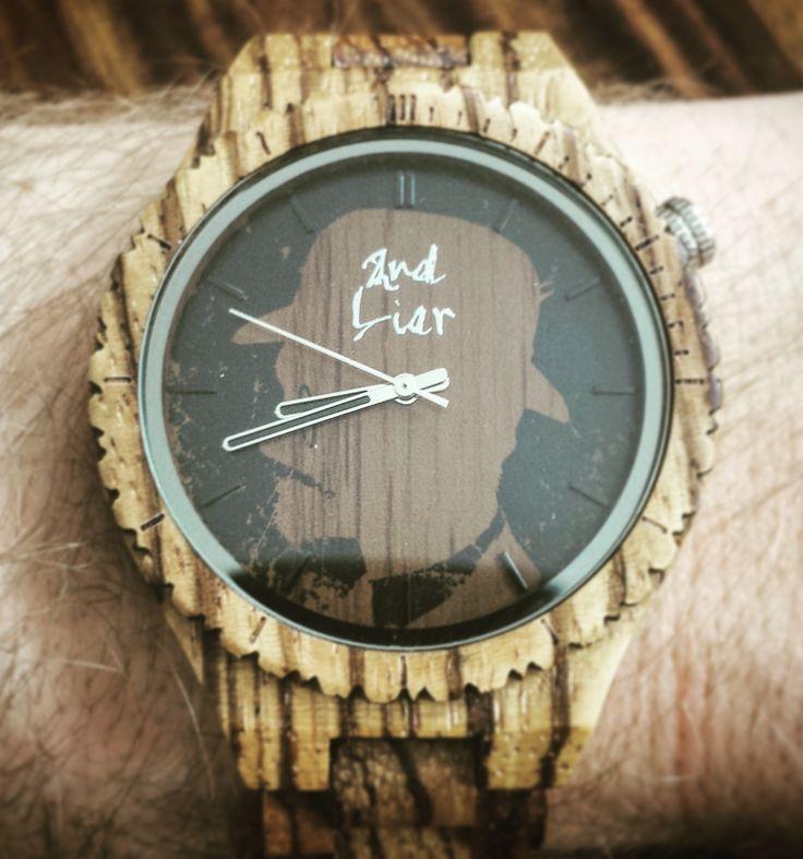 Jeeeeey! Die neuen Uhren sind bald fertig! Hier mal das Herrenmodell in Zebra. #MONOCELMANWATCH zebra. Auch perfekt als Geschenk für euren liebsten: www.2ndLiar.com