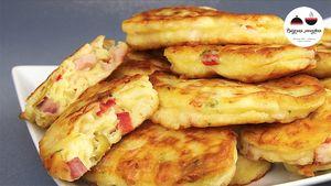 Фото к рецепту: Оладьи в стиле ПИЦЦА. Объедение! Необыкновенно вкусный, ароматный и сытный завтрак!