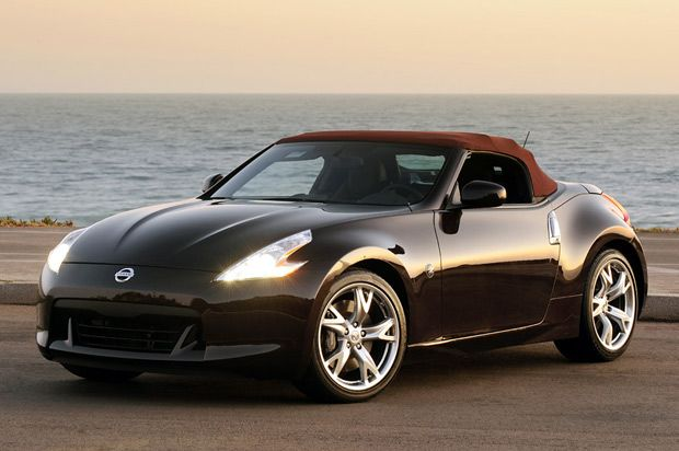 370Z Roadster is a two-door, two-seat high performing convertible sports car, which has been offered in two main trims, namely base and touring. It provides a lot purer method to the modern art of constructing a luxury sports car.