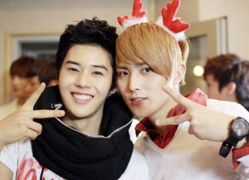 two of my favorite ZE:A members - Dongjun & Heechul