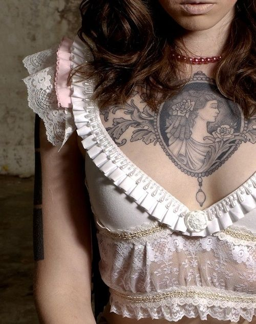 Tattoo girl www.tattoodefender.com   #tattoo #tattooidea #tatuaggi #tatuaggio #ink #inked #chick #tattooideas #girl #pinterest #inkedchick #tattoogirl #tattooed #ragazza #tattoodefender