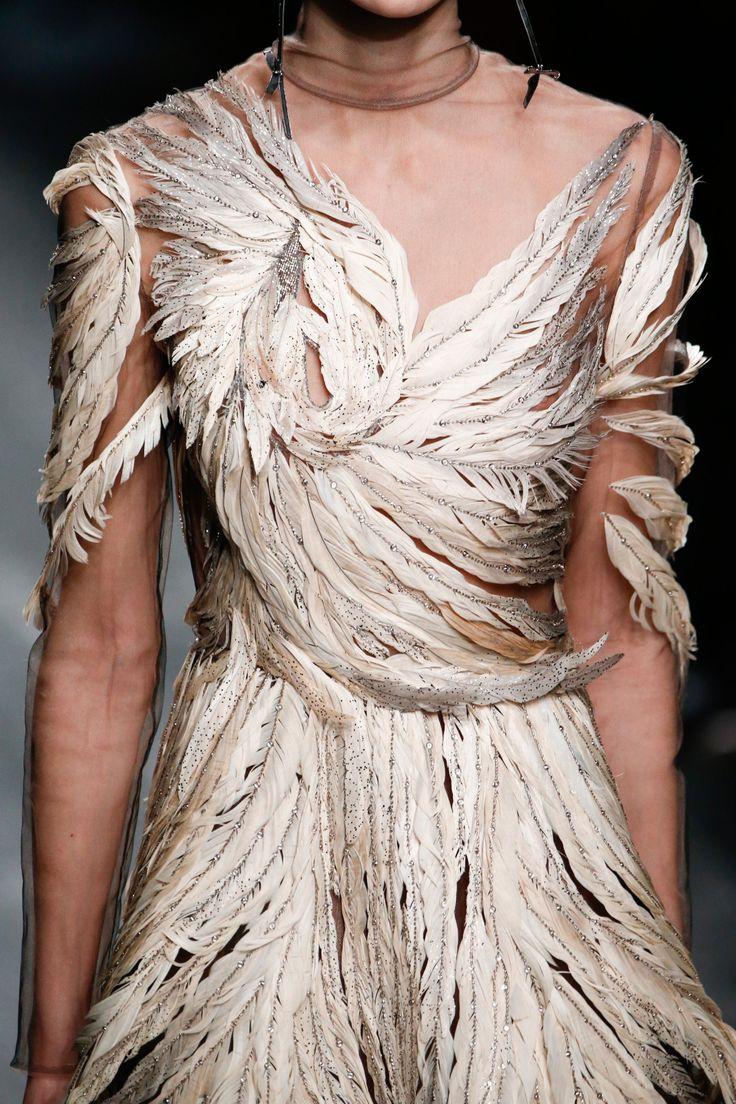 forlikeminded:    Valentino   Paris Fashion Week   Fall 2016
