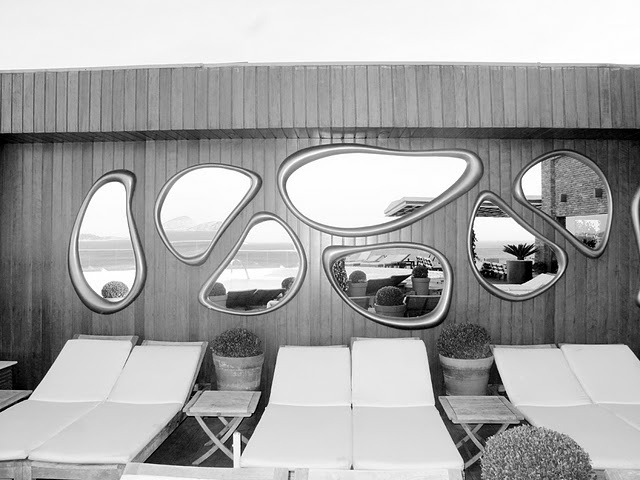 cool mirror arrangement