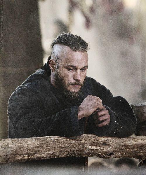 Ragnar,.. looking sad... awww :(