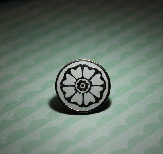 Avatar The Last Airbender White Lotus Enamel Pin White Lotus