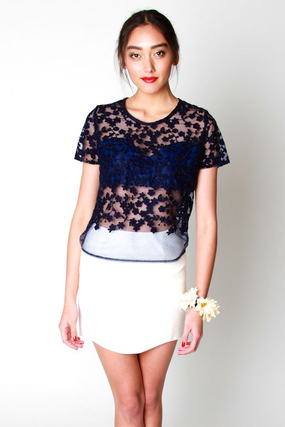 TOPS AND JUMPERS | Amber Whitecliffe Maketu Tee- Navy Lace