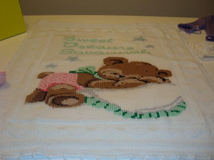 Copertina in cotone lavorata ai ferri e ricamata a punto maglia [0-6 mesi]