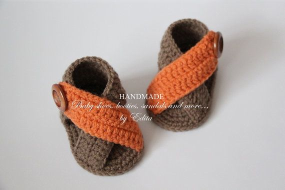 Crochet baby sandals, baby gladiator sandals, booties, shoes, baby boy sandals, summer, wooden buttons, READY TO SHIP, 0-3 months, apricot