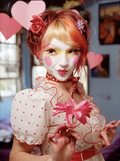 A girly, fantastic take on a clown costume. #Halloween #clowns #costumes