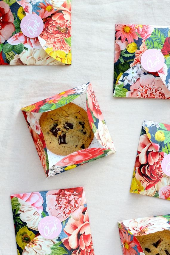 petal envelope how to for cookie favors - paper could match theme