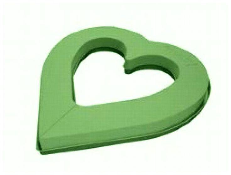 Offenes Herz mit Kunststoffunterlage, Gießrand und Wasserspeicher. Der Steckschaum ermöglicht die Anfertigung von frischen Blumengestecken