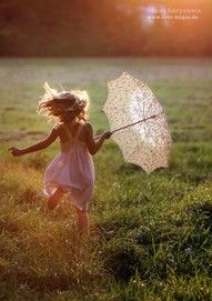.: Little Girls, Umbrellas, Photo Books, Photo Ideas, Sunsets, Happy, Pictures, Photography Tips, Fields