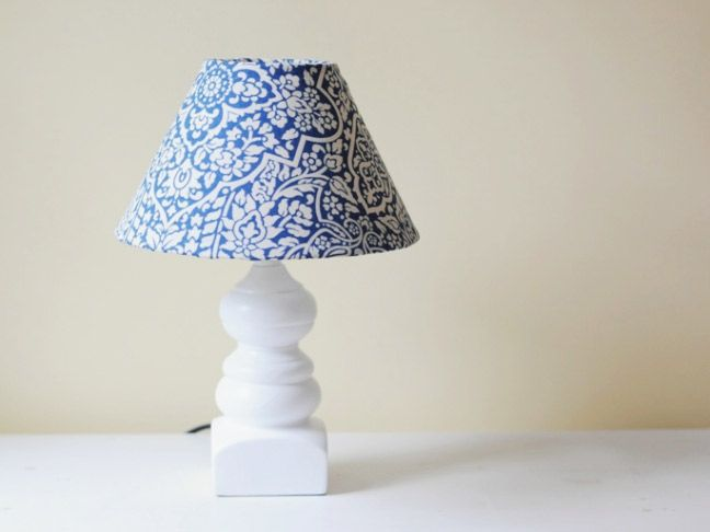 Best 25 lampshade redo ideas on pinterest cover for Redo lamp shades