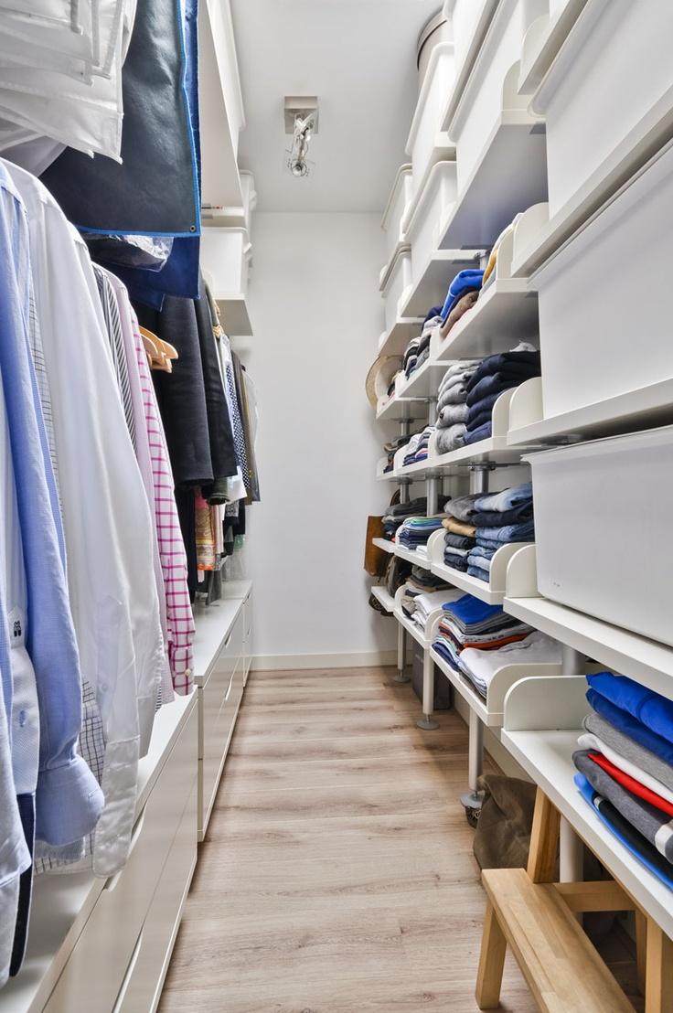 Walk-in closet # inloopkast   Walk in closet size, Walk in ...