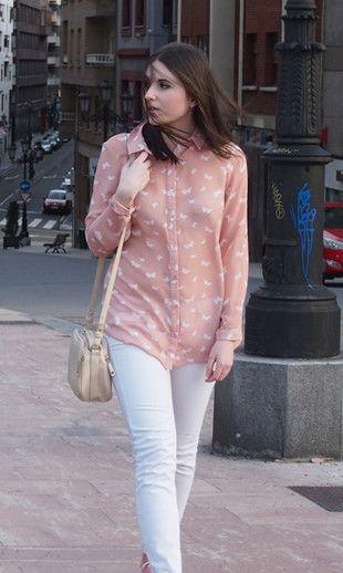 Butterflies 17-3-2014  Shirt: Primark   Jeans and Rings: Zara (spring/summer 2014)   Sneackers: Andy Z   Bag: Stradivarius  