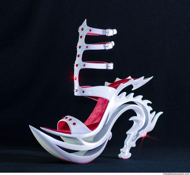 The Dragon Oriental | virtualshoemuseum.com