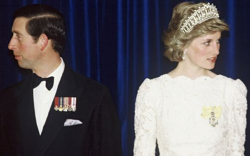 チャールズ皇太子と亡きダイアナ元妃の悲哀に満ちた結婚生活を写真で振り返る