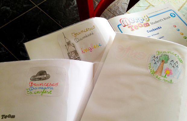 Etichette fai-da-te per i libri di scuola http://www.piccolini.it/post/739/etichette-fai-da-te-per-i-libri-di-scuola/