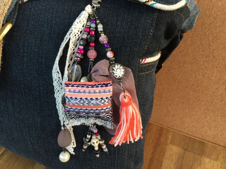 Beach bag charm / Key chain Boho / Bohemian tassel jewelry / gypsy beach bag charm/ gift key chain/ key chain boho tassel / tassel clip by BelaCiganaBags on Etsy