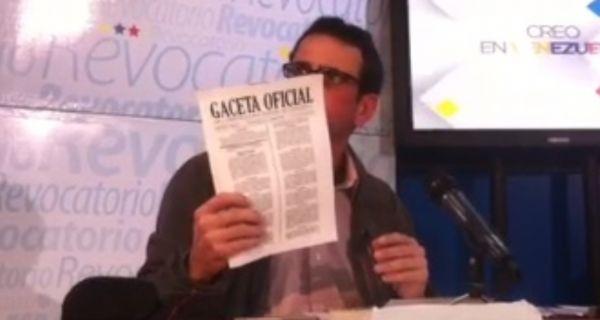 El dos veces candidato a la Presidencia de Venezuela Henrique Capriles pidió hoy a los venezolanos desconocer el decreto de estado de excepción que dictó e