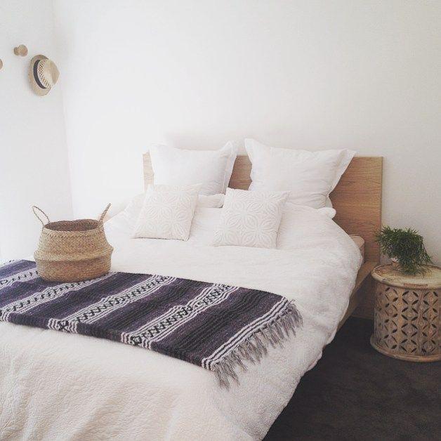 Sunday bedroom selfie with our falsa blanket in charcoal || Shop homeware @thebohotrader ✌✌